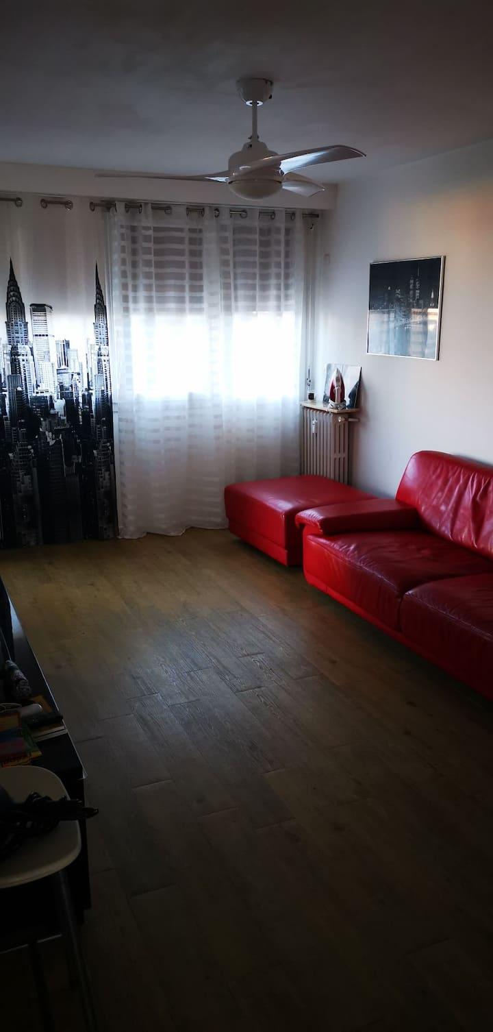 Светлая, чистая комната  в Каннах