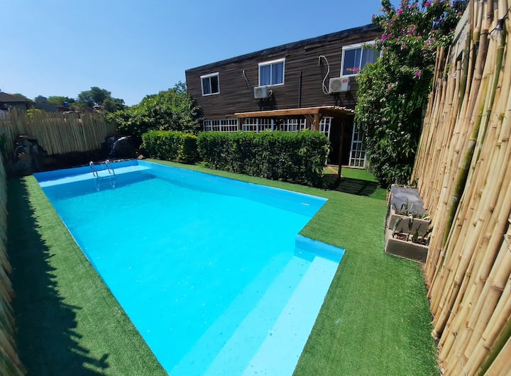 The HOST House - private garden and pool!