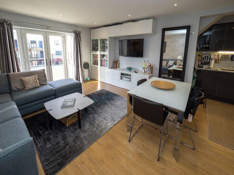 Dinner/Living Room