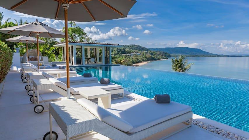 Villa Ocean's 11 - Beach Access Luxury Villa