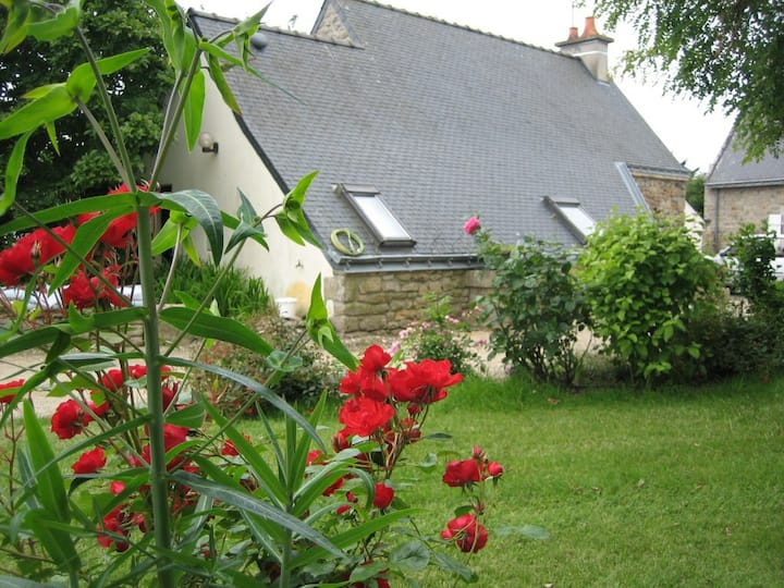 Maison avec jardin 5 km de la mer et ria d'Etel.