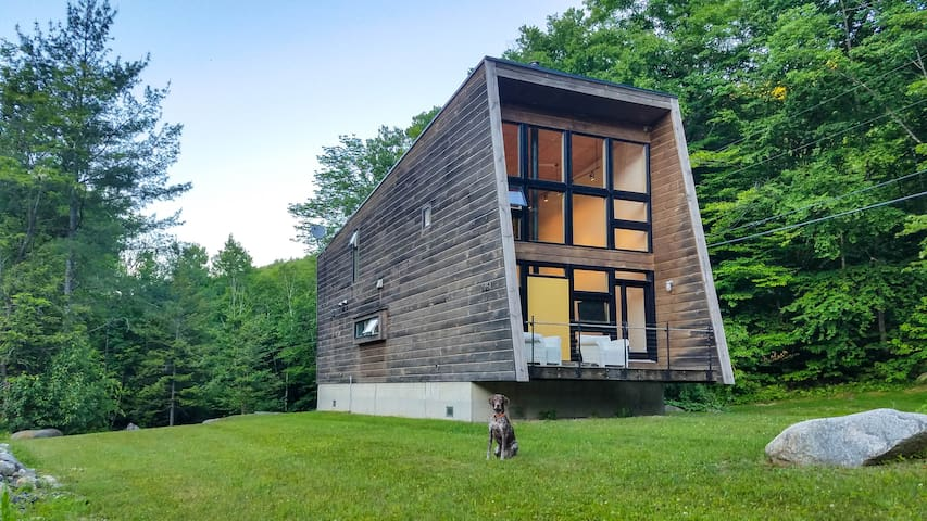 Green Mountain Modern House -- secluded VT getaway