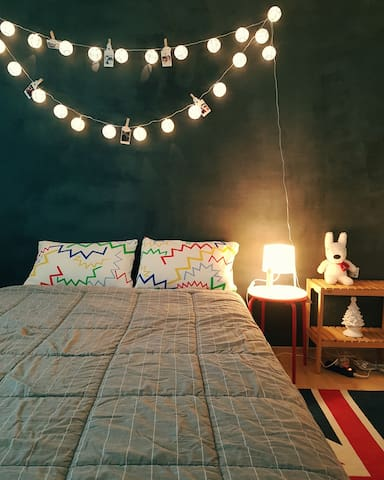 Sweet Room/15mins to Hongdae, 25mins to Myeongdong
