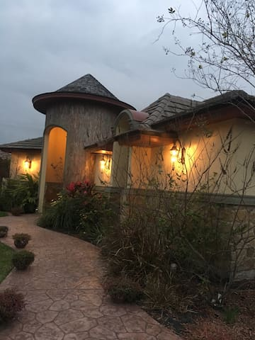 2 rooms/gated community, 1st class - McAllen - Talo
