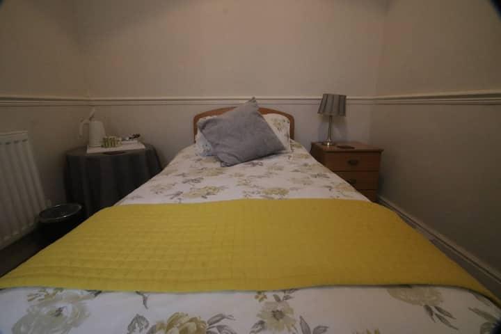 Single room at Spring Garden B&B