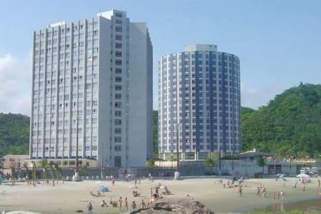 Apartamento em Itanhaém - Praia dos Sonhos - イタニャエン