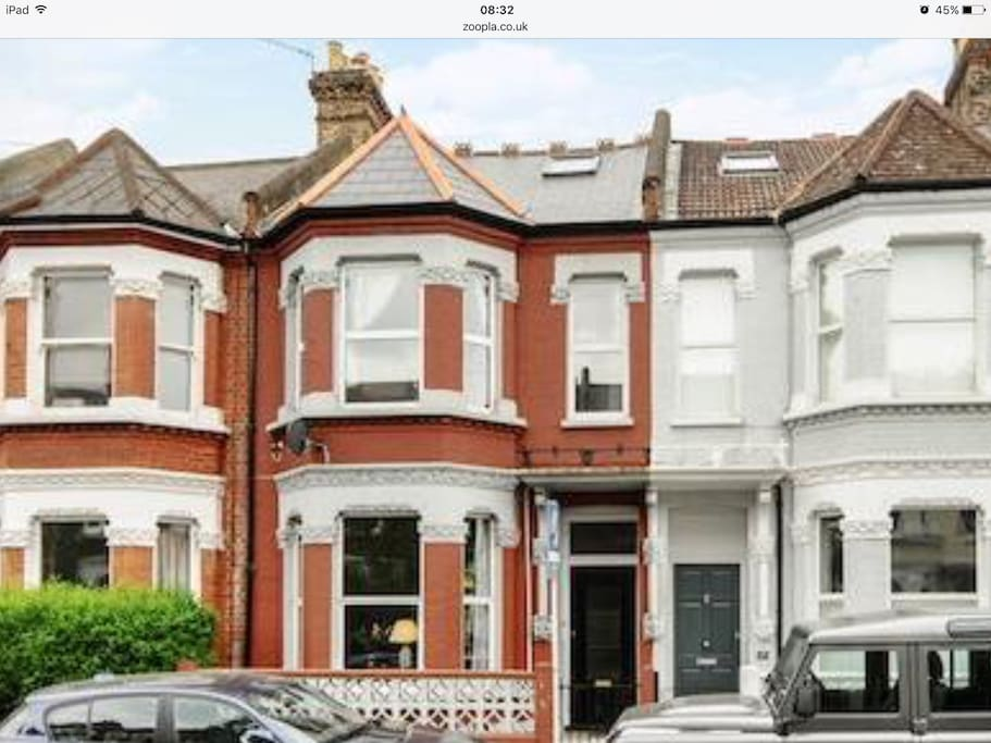 Bright  Victorian house in a great location