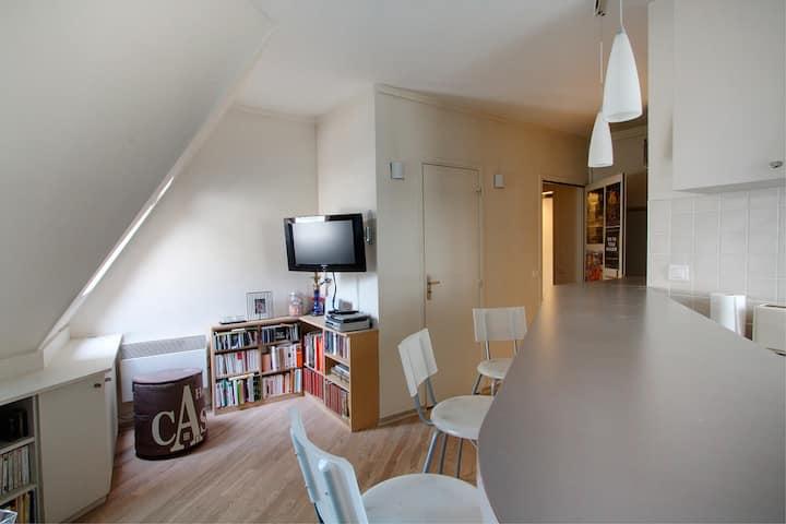 Studio Champs Elysés entièrement équipé