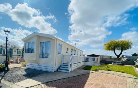 10wc 6 berth luxury Holiday Home on 5*Holiday Park