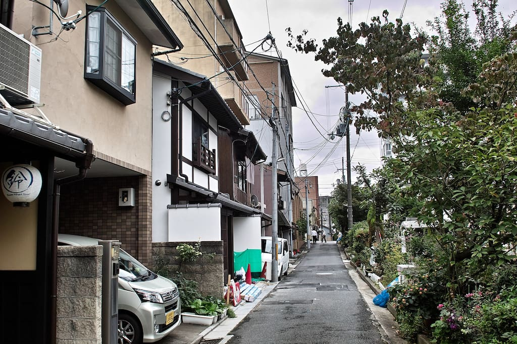 We are only 12min away from Kyoto Station, in a lovely and quiet neighborhood along the Takasegawa river.