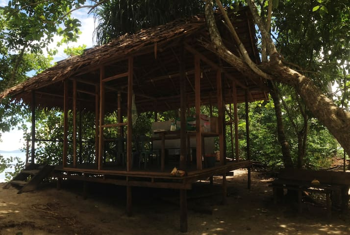 Beach View Bungalow at Warimpurem Homestay - South Waigeo