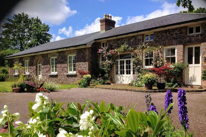 COACH HOUSE in woodland EAST CORK,Midleton/Youghal