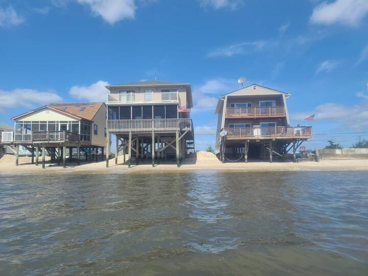4 bed/2 bath on a Little piece of paradise!