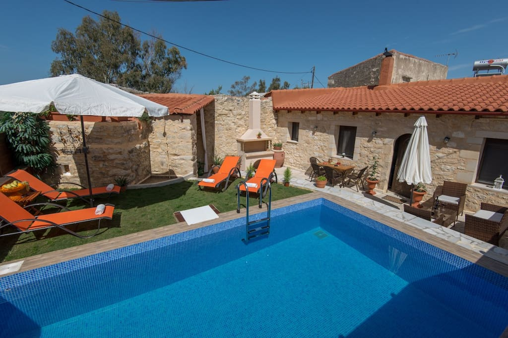 The pool and lawn covered terrace of Villa Armonia is totally private!