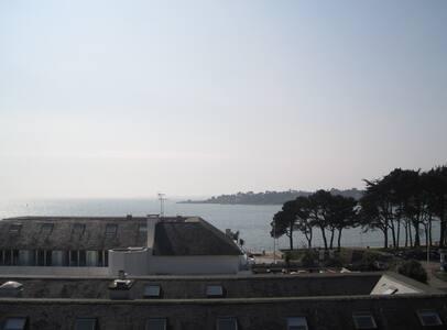 Studio avec belle vue EXCEPTIONNELLE sur mer - Bénodet - Apartemen