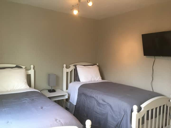 Cozy Single Double, Guest Room, 2 single