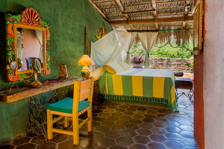 El Nido Bed and Breakfast - Palapa Room #3