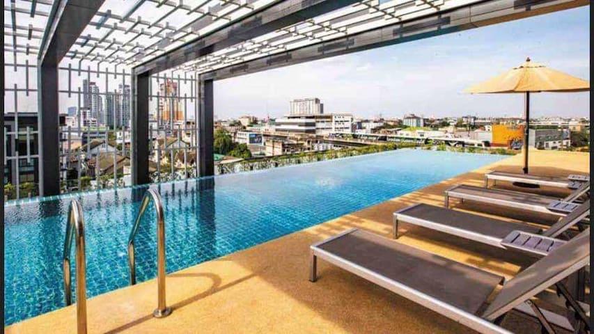 06 市区素空逸1室1厅、空中泳池、BTS、WHIZDOM101大型商圈、中文电视、WiFi