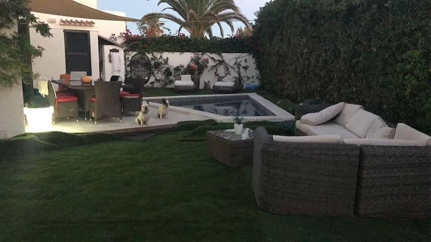 Espectacular! Casa jardin y piscina