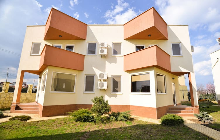 Premium Villa Black Sea View 8 - Mamaia-Sat - Ev