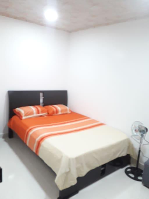 El apartamento cuanta con excelentes habitaciones para tu mejor estadia