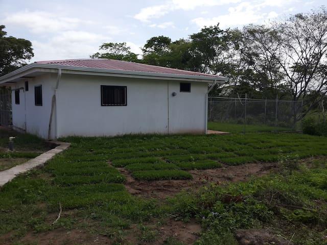 Le rodea  un ambiente natural - Guanacaste - Lakás