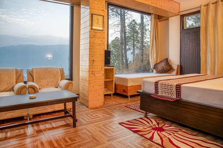 Jungle Edge Studio | Steam Bath | Balcony| kasauli