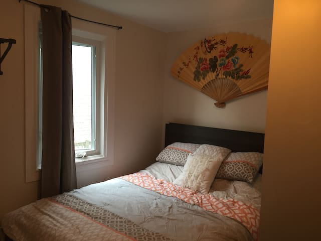 2 Bedroom in Vieux Hull, Close to Ottawa