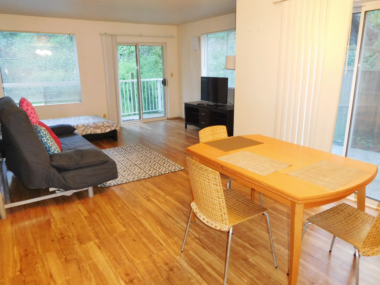 Spacious and serene one bedroom condo at a quiet cul-de-sac with a brand new beautiful floor