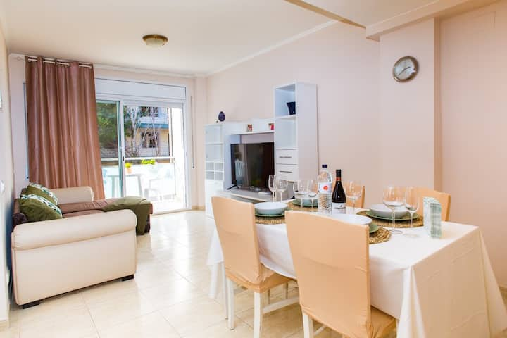 AL06 Apartment 2 line beach Fenals, Costa Brava