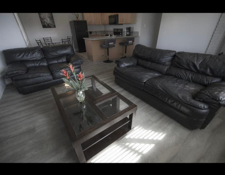 Budget friendly, CLEAN and updated 2/1 condo.