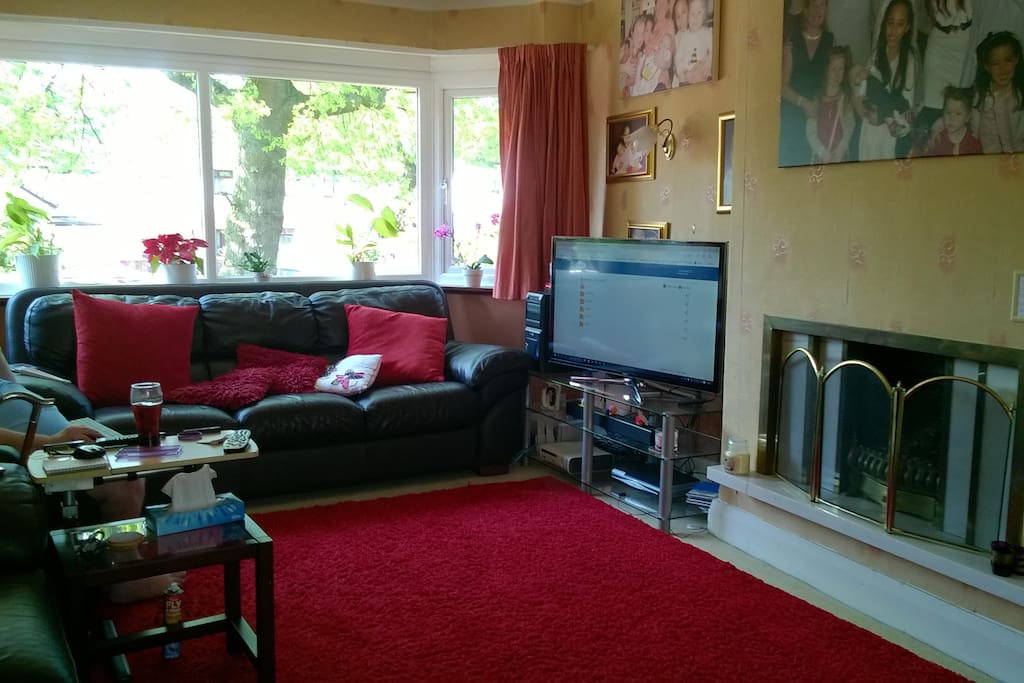 liverpool living room dble room in welcoming home to town cntr maisons 224 11463