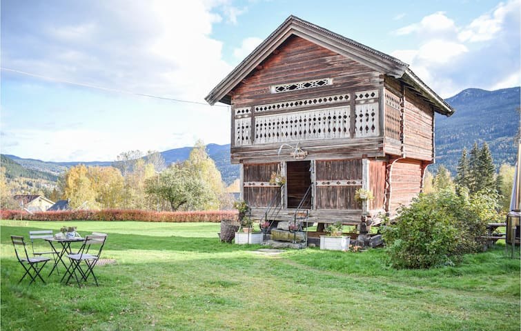 Former farm house with 1 room on 35m² in Gol