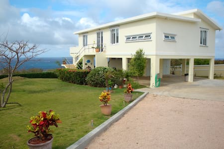 Beautiful Cliffside 2 BR home overlooking ocean - Isabela