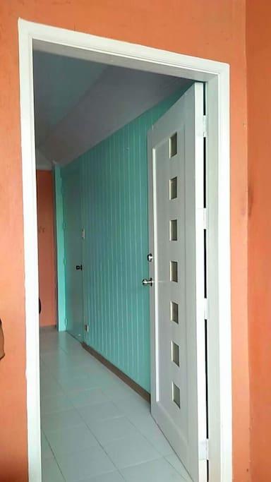 Guest room Main door
