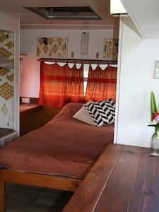 Cute Caravan on Family Farm - Mullumbimby Creek - Asuntoauto
