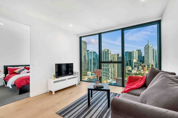 Breathtaking View of 1 Bedroom in the Heart of CBD