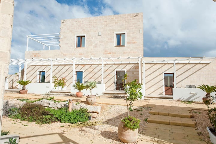 Heritage Holiday Home in Favignana with Garden
