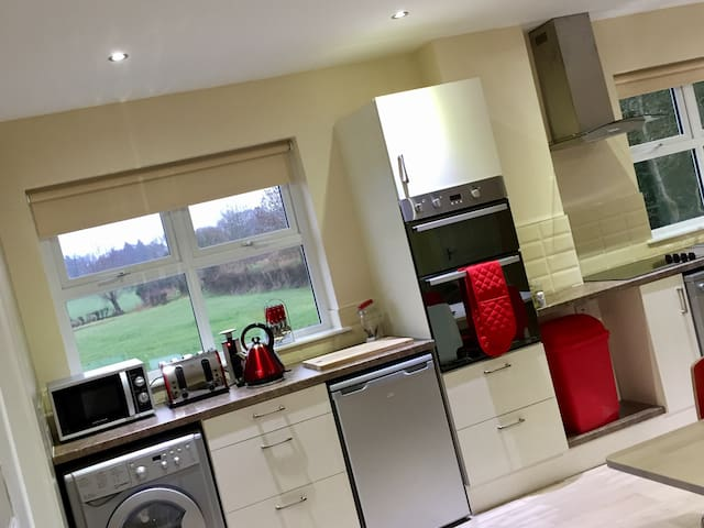 Ashbrook House 2bed Apartment
