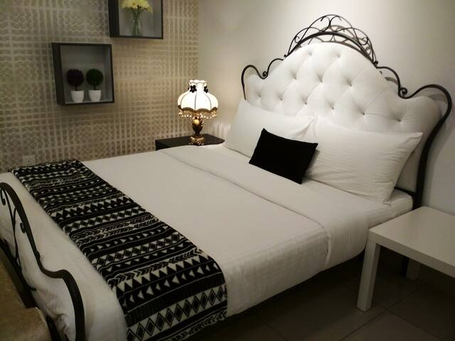 Sleep comfortably on this Queen size bed