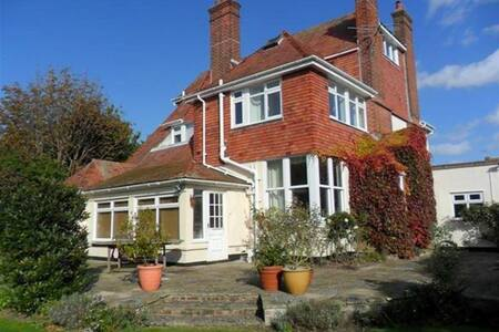 Large family Home 3 mins to Beach ! - Frinton-on-Sea - 一軒家