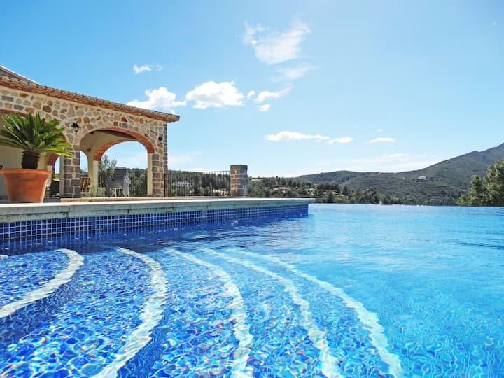 Villa Rústica para Relax en el Valle