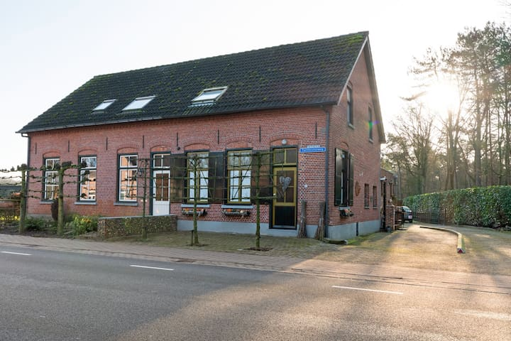 Traditional Holiday Home in Reusel with Garden