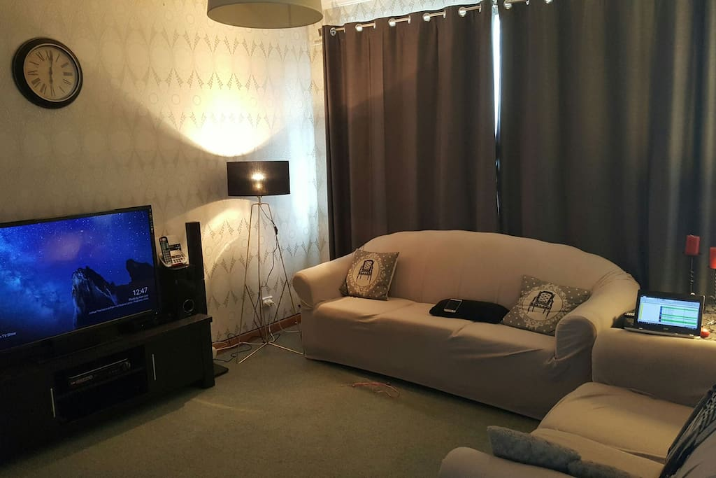 TV room with Netflix movies and wifi