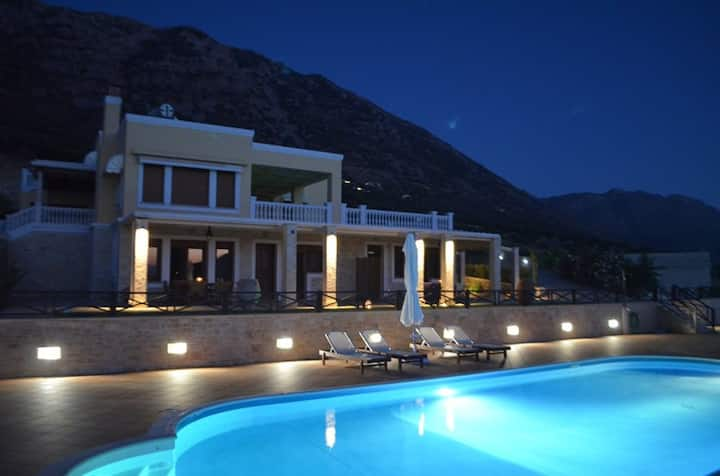 Tholos Boutique Houses (2-4 persons)