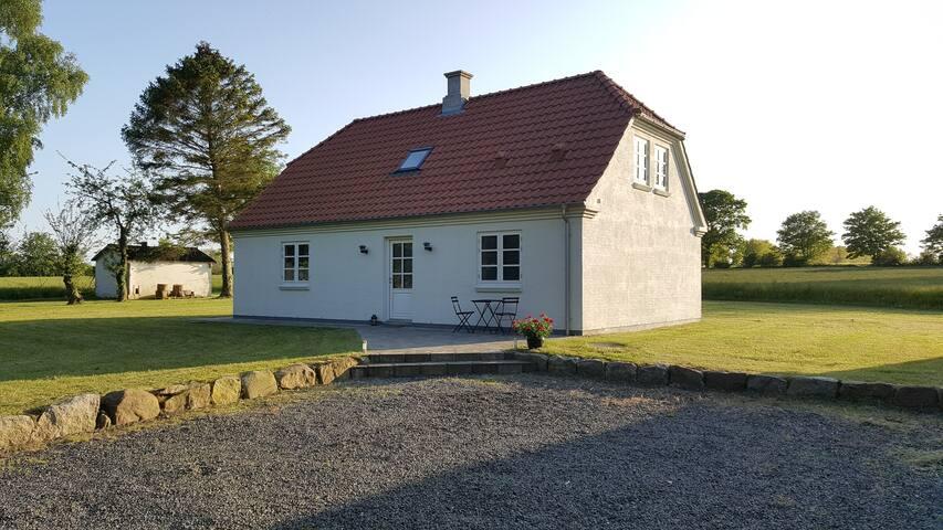 144m2, modern, nature, beach nearby - Hesselager