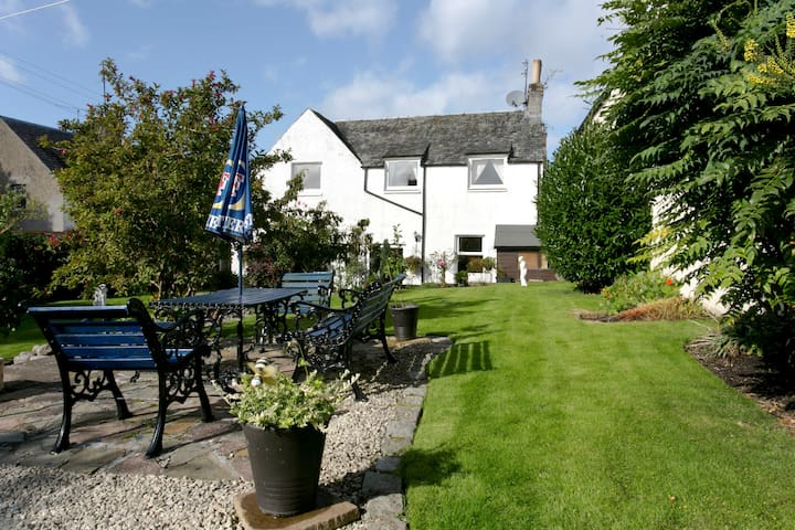 Beautiful holiday Cottage Crieff, - Crieff - Hus