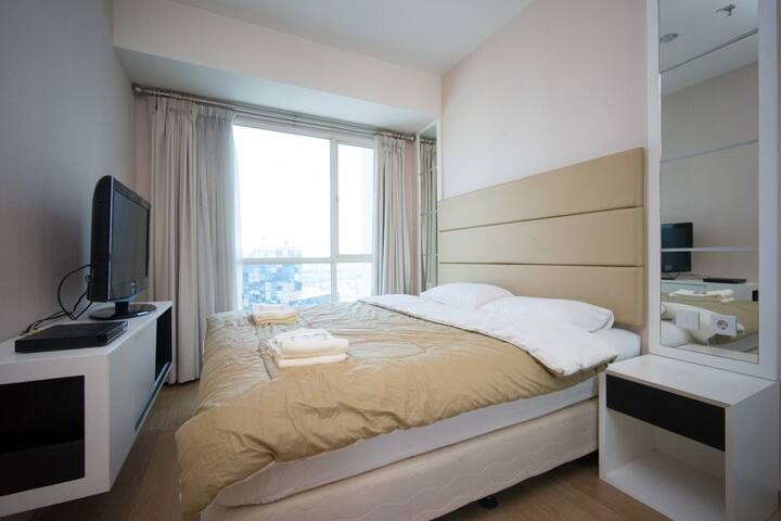 Comfy 2BR connected to Kota Kasablanka mall - Tebet - Daire