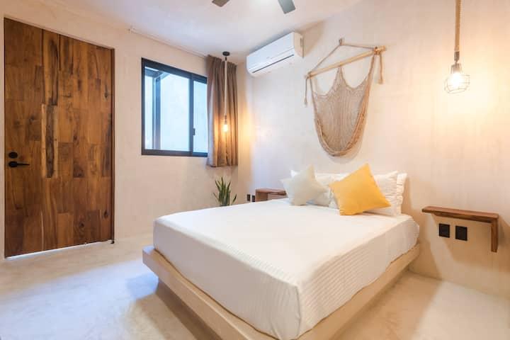 UJO 2 – Comfortable studio with excellent location