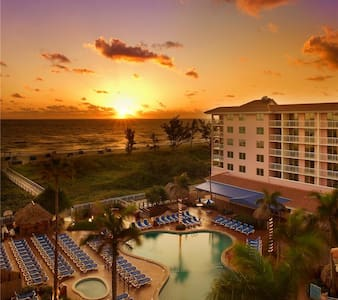 West Palm Beach Resort 4 Sleeps 2/12-2/19 - Palm Beach Shores